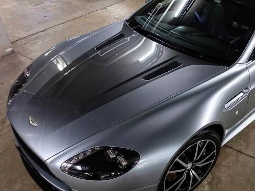 Thumbnail Aston Martin V8 Vantage