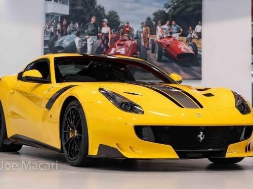 Thumbnail Ferrari F12