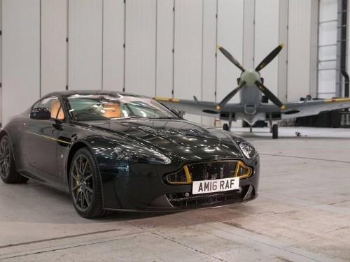 Thumbnail Aston Martin V12 Vantage