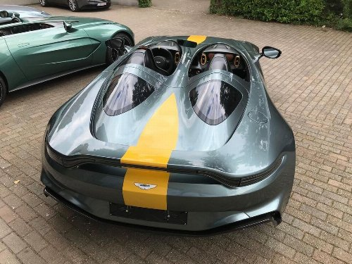Thumbnail Aston Martin V12