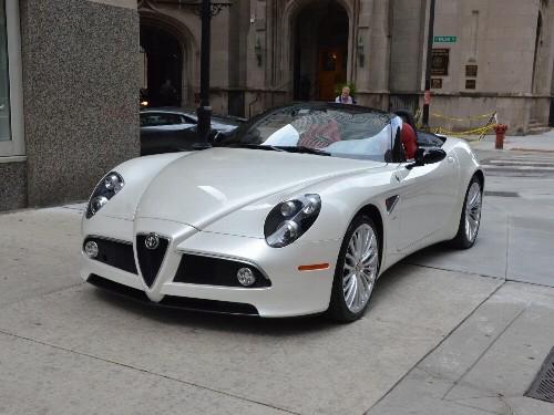 Thumbnail Alfa Romeo 8C
