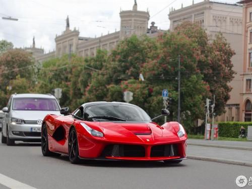 Thumbnail Ferrari LaFerrari