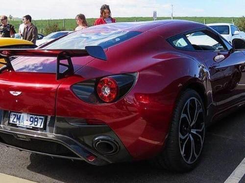 Thumbnail Aston Martin V12 Zagato